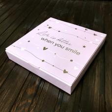 Коробка для цукерок, печива / 185х185х30 / рожева / зол. тиснення