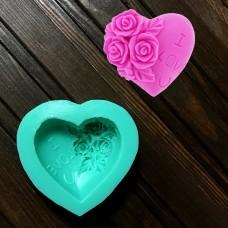 """Молд силіконовий """"Серце в трояндах"""" / 7x7 см / h-3 см"""