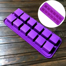 """Форма силіконова """"Гральні Кубики"""" / планшет / 12 шт."""